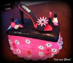 Chocolate High Heel Cake Pink champagne with raspberry filling. All details including shoe are chocolate. Shoe Box Cake, Shoe Cakes, Cupcake Cakes, Cupcakes, High Heel Cakes, Cake Ideas, Dessert Ideas, Wedding Cake Inspiration, Awesome Cakes