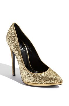 I'm in need of gold glitter heels for the holidays!