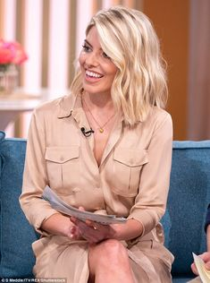 Mollie King flashes some leg in chic peach shirt dress on This Morning Blunt Bob Haircuts, Short Shaggy Haircuts, Mollie King Hair, Holly Willoughby Hair, Funky Hairstyles, Blonde Hairstyles, Hairstyle Men, Formal Hairstyles, Wedding Hairstyles