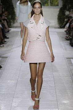 BALENCIAGA SS RTW 2014 @ Paris Fashion Week nyfashionblogger.blogspot.com