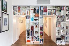 Appartamento tradizionale di 120 mq con librerie a tutta parete - Cose di Casa