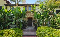 Actor and director David Schwimmer has placed his Los Angeles area home on the market for $10.7 million. The roughly 11,000 square foot gated and private Mediterranean-style house sits on a 44,540 sq. ft lot in prime Hancock Park.