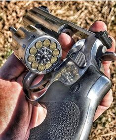 22 ammo is way too high x Revolver.High polish S&W 10 shotguns for you 22 Pistol, Revolver Pistol, Custom Revolver, Weapons Guns, Guns And Ammo, Custom Guns, Military Guns, Weapon Concept Art, Cool Guns