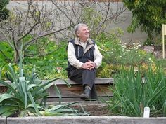 Peter Cundall's year-round planting and sowing guide for vegetables - ABC Hobart - Australian Broadcasting Corporation
