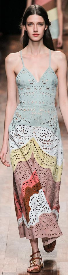 Valentino.Spring 2015.Very pretty but this model is just way too skinny. She looks sick.