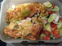 Kuracie prsia s mozzarellou na mladom póriku, s korením a jarným šalátom Chicken, Meat, Food, Amp, Red Peppers, Essen, Meals, Yemek, Eten
