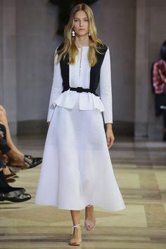 Trend: Black & White; Cinched Waist // Carolina Herrera Spring 2016 Ready-to-Wear Fashion Show - Lily Aldridge