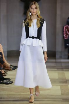 Trend: Black & White; Cinched Waist // Carolina Herrera Spring 2016 Ready-to-Wear Fashion Show - Lily Aldridge