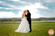 Wedding Photography, Tennessee Riverplace, Chattanooga Wedding Photographer Jamie Pearson