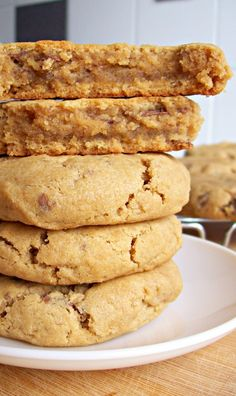 Peanut butter biscuits and chocolate chips with ultra-soft heart . Pb2 Recipes, Sweet Recipes, Cookie Recipes, Dessert Recipes, Dessert Healthy, Fruit Dessert, Peanut Butter Biscuits, Soft Peanut Butter Cookies, Cookies Soft