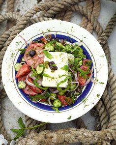 Τα ευεργετικά συστατικά της χωριάτικης  σαλάτας