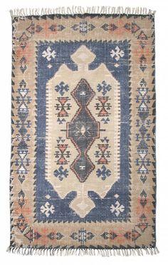 """Prachtige katoenen tapijt in """"cabin"""" sferen. Het vloerkleed is niet zwaar dus makkelijk hanteerbaar."""