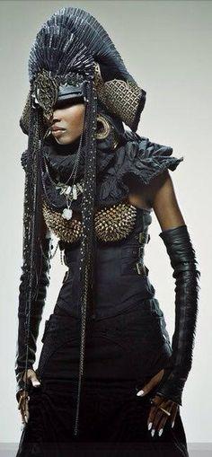 www.cewax aime la mode ethnique, tribale, afro tendance, hippie, boho chic... Retrouvez tous les articles sur la mode afro sur le blog de CéWax: http://cewax.wordpress.com/ et des sacs et bijoux ethniques en boutique: http://cewax.alittlemarket.com - Paris Fall Trend: Walk Like a Man [PHOTOS] | WWDDes supers looks qui peuvent vous inspirer