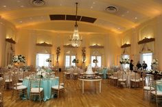 Kelly Brown Weddings || Lafayette Club || Indulge and Bloom || POSH Bridal Couture || Linen Effects