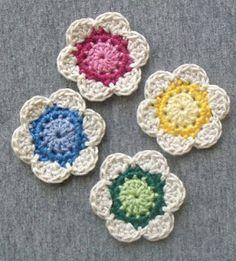 Diva Stitches Crochet Blog: Lil' Cute Crochet Flower . Gorgeous flower pattern.-true cute flowers, love the colour combo