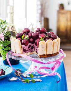 Ylioppilasjuhlat Everything Is Awesome, Tiramisu, Baking, Ethnic Recipes, Sweet, Desserts, Food, Cakes, Drinks