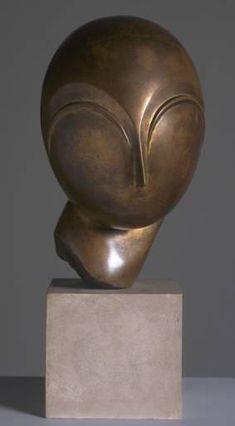 Constantin Brancusi sculpture at the Tate Sculptures Céramiques, Art Sculpture, Abstract Sculpture, Sculpture Ideas, Brancusi Sculpture, Constantin Brancusi, Tate Gallery, Art Moderne, Land Art