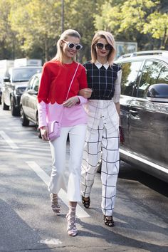 Spotted on day 4 at PFW - Two ways to war white: with bold colour or in grid patterns. We love both. #NewLookStyle #PFW #streetstyle