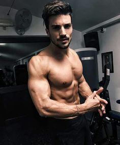 Mariano Di Vaio https://www.amazon.co.uk/Sports-Kinesiology-Tape-Performance-Waterproof/dp/B06VWMGCCQ/ref=sr_1_1_a_it?ie=UTF8&qid=1495631311&sr=8-1&keywords=kingseye