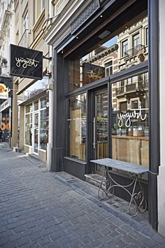come and look inside, rue du bailli 14# 1000 Brussel