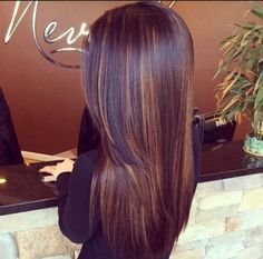 [ Trendy Hair Color - Highlights : Dark Chocolate Hair Color with Subtle Highlights - 29 Hair Inspirations for Changing up Your Style . Brown Hair With Highlights, Brown Blonde Hair, Hair Color Highlights, Subtle Highlights, Burgundy Hair Blonde Highlights, Burgandy Ombre Hair, Blonde Honey, Honey Hair, Red Burgundy