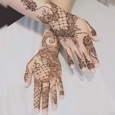 Gorgeous lacey mehndi designs with many different elements