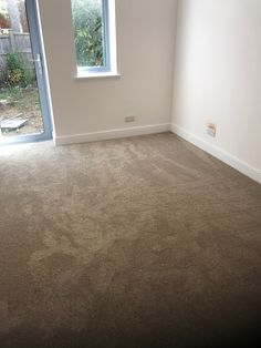 Greendale Carpets Ltd Bromyard Twist and Greendale Romantic Choice to a new build in Crowthorne. Flooring Shops, Types Of Flooring, Carpet Styles, New Carpet, Carpet Ideas, New Builds, Carpets, Beautiful Homes, Romantic