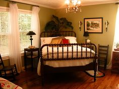 Spool Bed In Corner of Room - Pretty guest room. Love this old bed! Bedroom Bed, Master Bedroom, Bedroom Decor, Bedroom Corner, Bedroom Plants, Bedroom Furniture, Bedroom Ideas, My Home Design, Bed Design