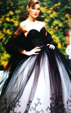 Joyce ParisMarch 1995  Carla Bruni is wearingBalmain  (by Oscar de la Renta)