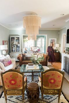 Boho Colorful Living Room Decor - Is it dining room or dinning room? Boho Colorful Living Room Decor - How do I brighten up my dining room? Colourful Living Room, Eclectic Living Room, Living Room Sets, Living Room Designs, Living Room Decor Eclectic, Living Spaces, Couch Furniture, Living Room Furniture, Furniture Ideas