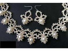 New Crochet Jewelry Patterns Needle Tatting 38 Ideas Tatting Necklace, Tatting Jewelry, Lace Jewelry, Tatting Lace, Jewelry Crafts, Jewelery, Lace Earrings, Necklace Set, Pearl Necklace