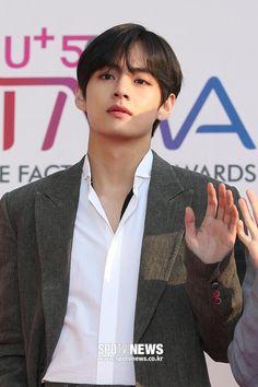 190424 The Fact Music Awards (voting for BTS for the ) Jhope, Namjoon, Jimin, Kim Taehyung, Bts Bangtan Boy, Seokjin, Daegu, Bts Memes, Bts Kim