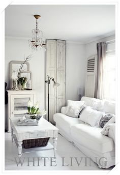 MY STYLE :: Gorgeous white :: white-living.blogspot.com | #livingroom #whites