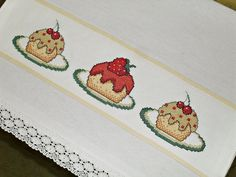 Golden Retriever, Bargello, Projects To Try, Cross Stitch, Embroidery, Crochet, Floral, Cupcakes, Dish Towels