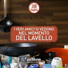 Oggi è la Giornata Internazionale dell'Amicizia! Best friend chi lava i piatti! #amicizia #amico #love #cucinare