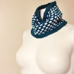 Pretty in Polka Dots Cowl ... Free pattern coming Nov. 9, 2013.  www.knitsbybritt.com