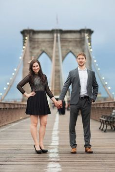 Brooklyn Bridge engagement session ideas | www.christianOthStudio.com