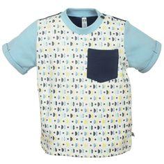 T-Shirt kurzarm: Cool und süß zugleich! T-Shirt ausgestattet mit Allover-Print und Tasche auf der Vorderseite.  #CoolBabies #Schweiz #SwissBaby #Babykleidung #Buben #Baby #Babykleider #Babytshirt #Süß #Cute