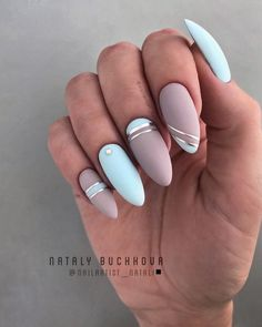Charming Matte Nail Designs To Try This Fall Matte nails should absolutely be at the top of your list for your next trip to the salon. As well as being on-trend they are also sleek, sophisticated and a more subtle option for professional babes. Best Acrylic Nails, Acrylic Nail Designs, Nail Art Designs, Nails Design, Matte Nail Art, Stylish Nails, Trendy Nails, Cute Nails, Sophisticated Nails