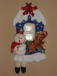 FELTRO MOLDES ARTESANATO EM GERAL: NATAL Christmas Yard Art, Christmas Fabric, Christmas Design, Christmas Projects, Holiday Crafts, Christmas Holidays, Christmas Decorations, Christmas Ornaments, Holiday Decor