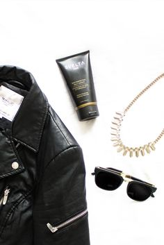 Luminous, golden skin is always chic. Featuring Svelta Tan Skin Perfecting Self-Tanner. #svelta #sveltatan