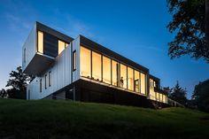 Bridge House / Höweler + Yoon Architecture ©Jeff Wolfram