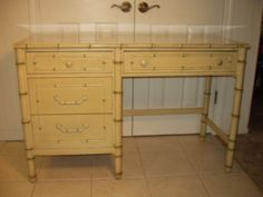 Vtg-Thomasville-Hollywood-Regency-Distressed-Off-White-Faux-Bamboo-Desk