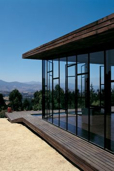 Deck House, Chile by Assadi & Pulido Architects. www.facebook.com/loveswish