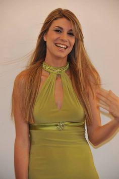 Le nostre #extension di colore chiaro indossate da una delle nostre modelle. Ecco il risultato... #viemmehairextension www.viemmehairextension.com