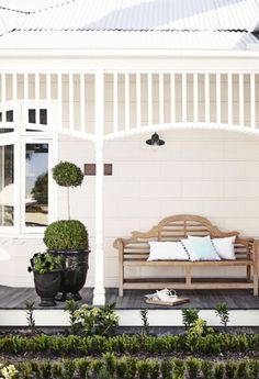 Dulux Antique White USA on the walls, which looks lovely as it is in shadow and you can really see the creamy underlying colour. The trim in Dulux Vivid White Exterior Paint Colors, Exterior Design, Interior And Exterior, Cottage Exterior, Antique White Usa, Weatherboard Exterior, Front Verandah, Front Porches, Front Deck