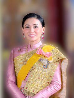 Thai Princess, Royal Jewelry, Southeast Asia, Thailand, Sari, King, Queen, Models, Fashion