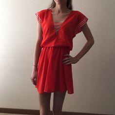 Short sleeve dress Short sleeve orangey-red dress. Has scrunchy waist. Forever 21 Dresses