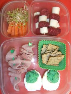 Green Eggs and Ham-licious  Great idea for Dr. Suess week.