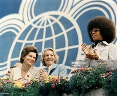 GDR Margot Honecker *- Politician, wife of East Germany's former Head of State, Erich Honecker Margot Honecker (m), woman cosmonaut Valentina Tereshkova (l), and American civil rights activist Angela Davis (r) at the opening of the World Festival of Youth and Students | August 04, 1973